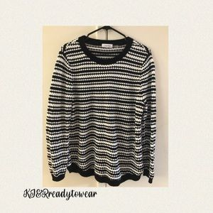 Knited Sweater by Calvin Klien Size Large